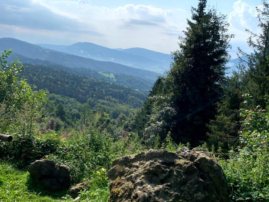Widok z szlaku na Lubomir