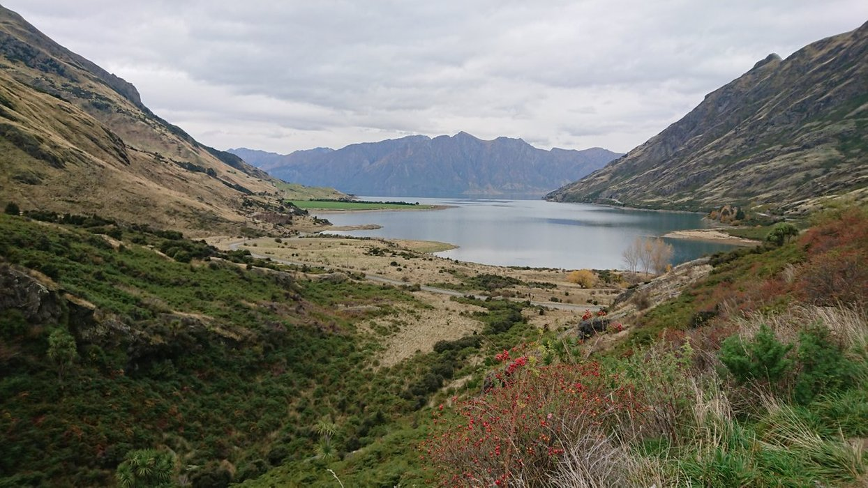 Now let's get a glimpse of Lake Hawea