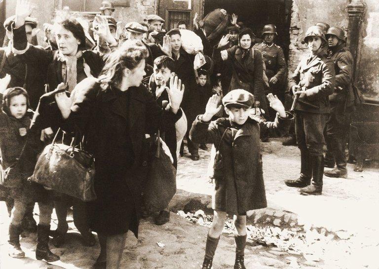 ptsd warsaw ghetto 1943 Jürgen Stroop German national archives free.jpg