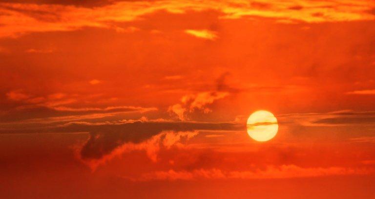 sunrise-3533173_1920.jpg