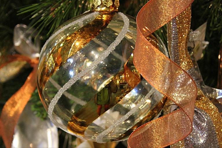 Christmas ball.png