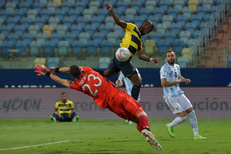 24.-Copa-America-2021-cuartos-de-final-Ecuador-Valencia.png