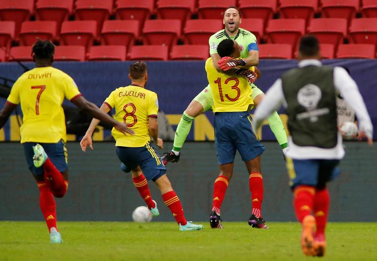 24.-Copa-America-2021-cuartos-de-final-Colombia-Ospina.png