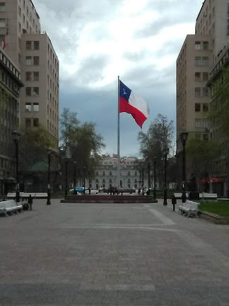 Bulnes Promenad. In the background La Moneda Palace (presidential seat)