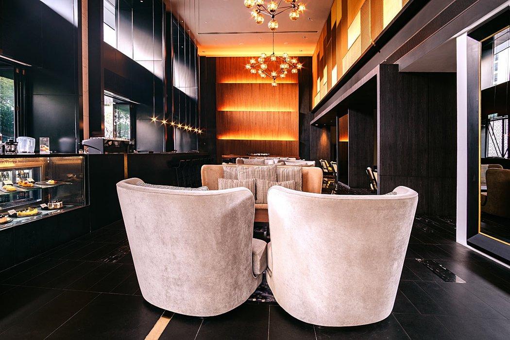 2pm lounge g hotel kelawai