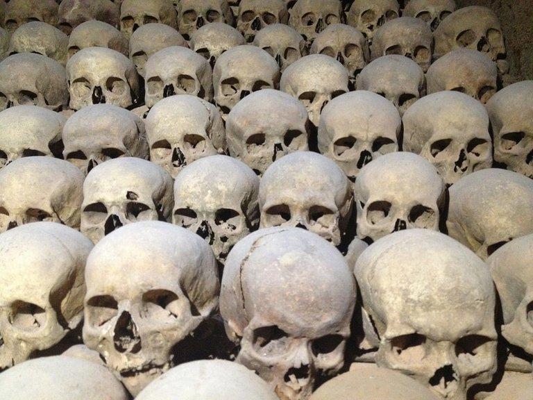 skull-115824_960_720 Leichen Sozialismus Tod.jpg