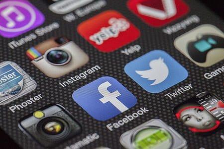 twitter-facebook-together-exchange-of-information-thumb.jpg