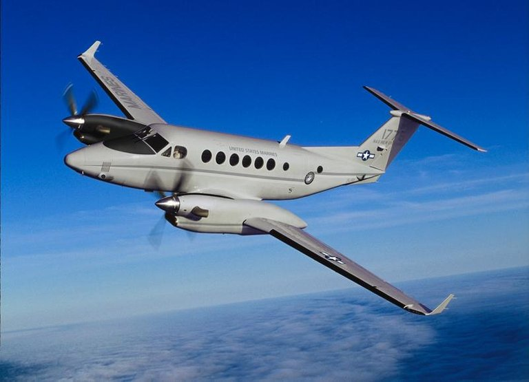 Beechcraft C12 Huron.jpg