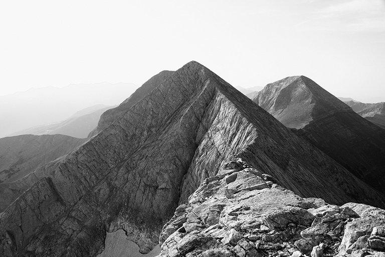 Mountainside_06_s_BW.jpg