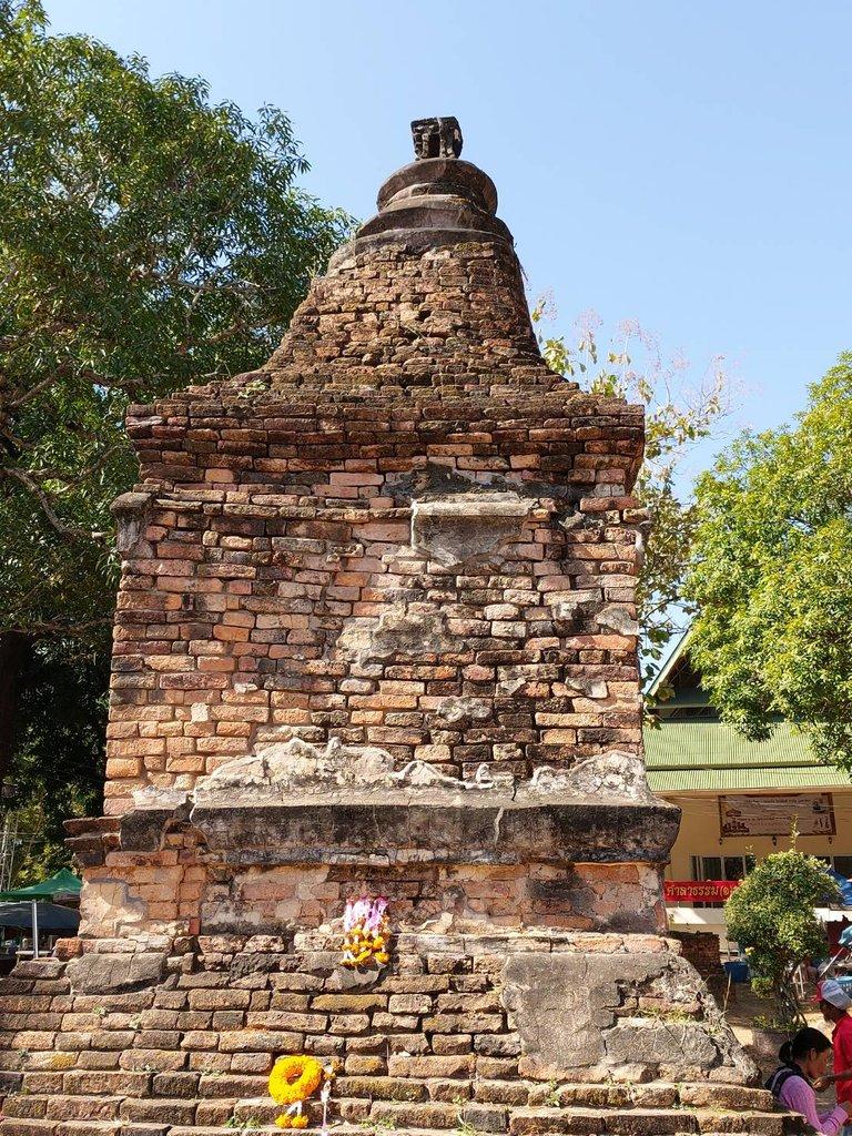 Phrathat Bangpuan3.jpg