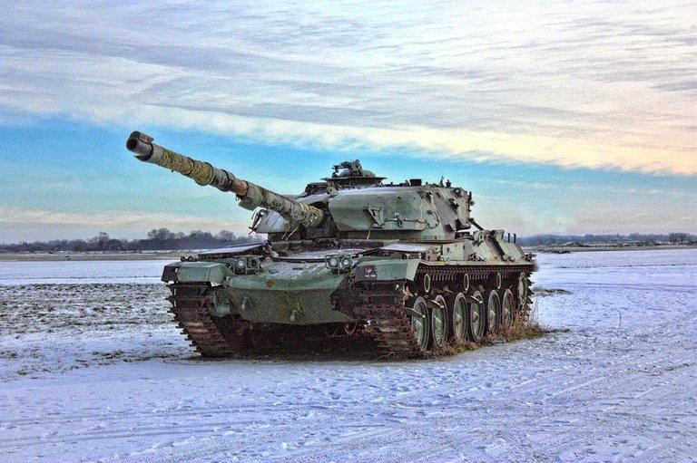 tank-449772_960_720 Grün.jpg
