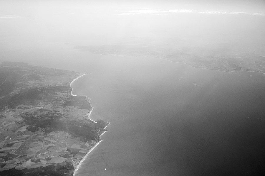 Flight_over_the_Canary_002_BW_s.jpg