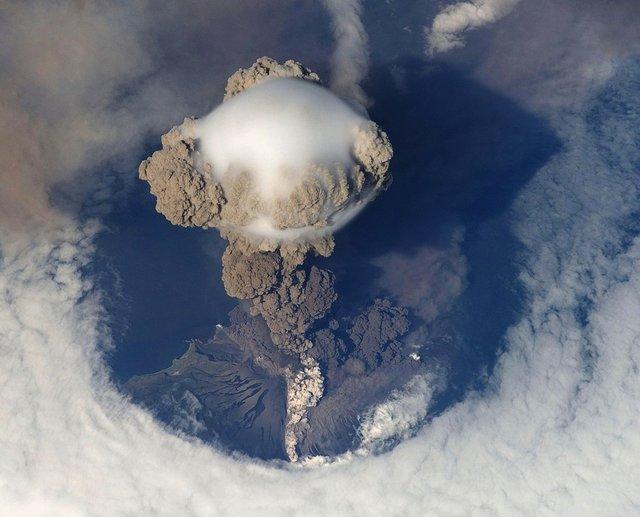 volcanic-eruption-67668_960_720.jpg