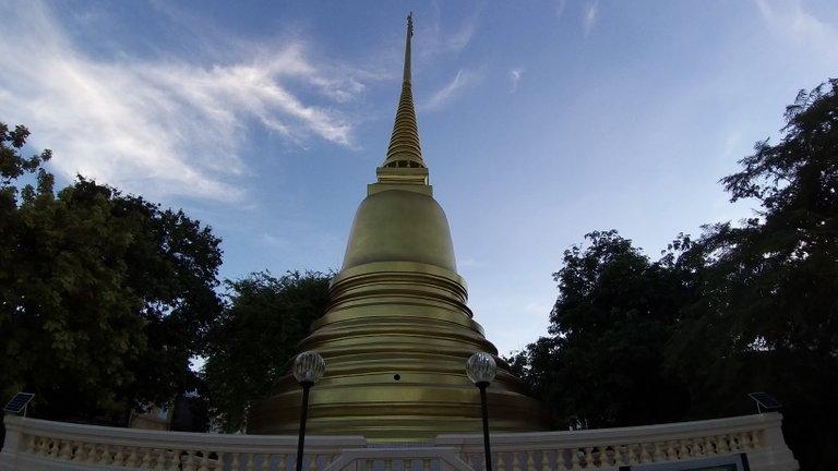 dusit_temples_bangkok_spet_2020_300.jpg