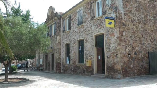 16.-Córcega-(Galerie)-municipio.png