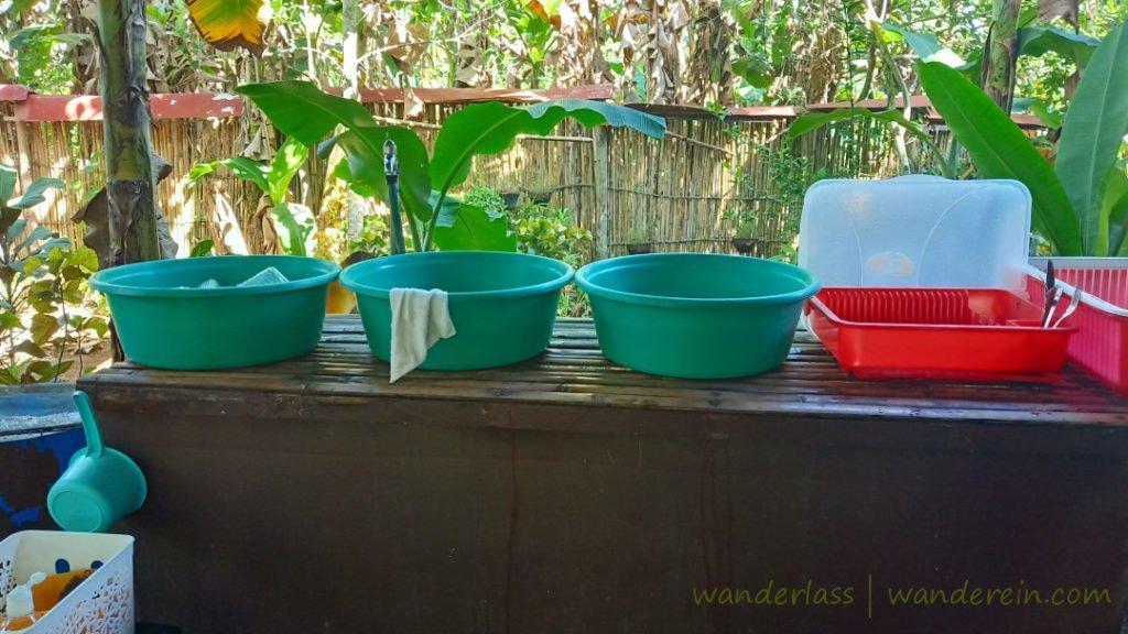 Dishwashing at Bahay Kalipay
