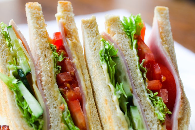 sandwich2301387_1920.jpg