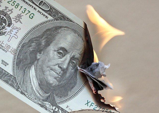 money4418858_640.jpg