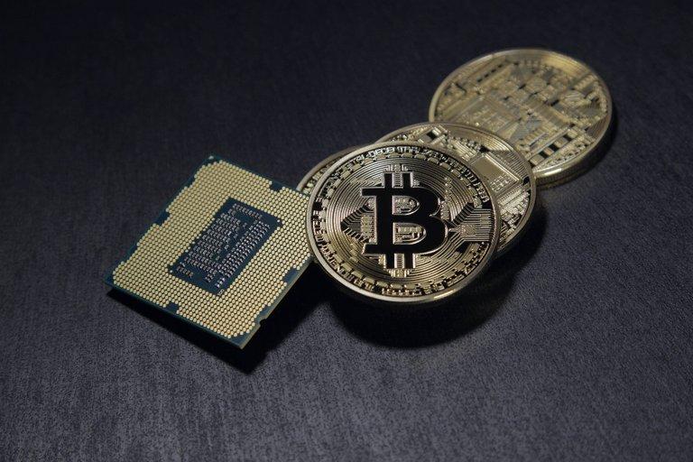 bitcoin2057405_1920.jpg