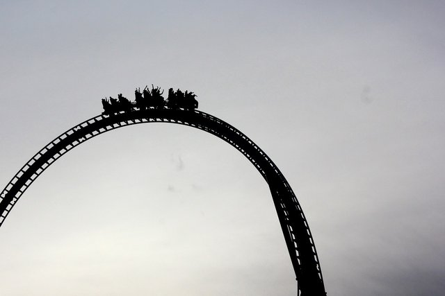rollercoaster1643076_1280.jpg