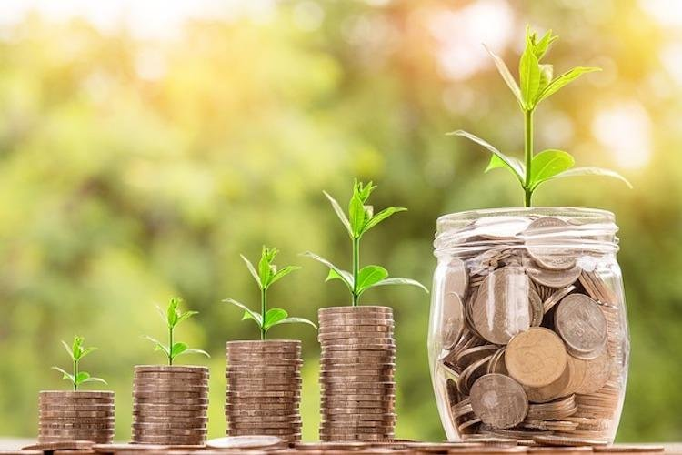 Investment_money_pixabayByNattananKanchanaprat.jpg