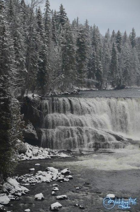 wells_gray_provincial_park_-_dawson_falls4.jpg