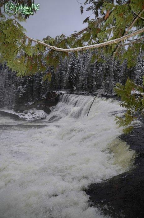 wells_gray_provincial_park_-_dawson_falls3.jpg