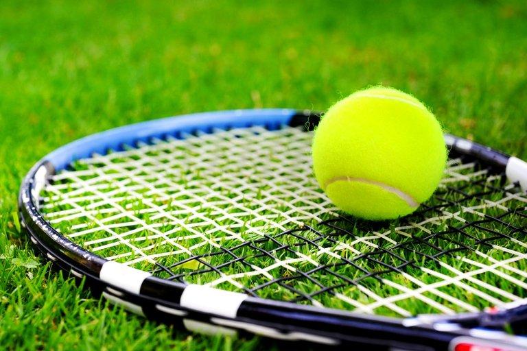 tennis-3437567_1280.jpg