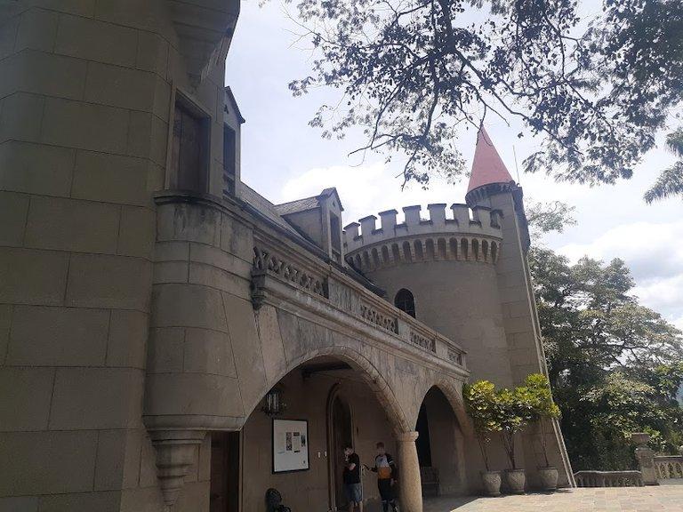 castle9.jpg
