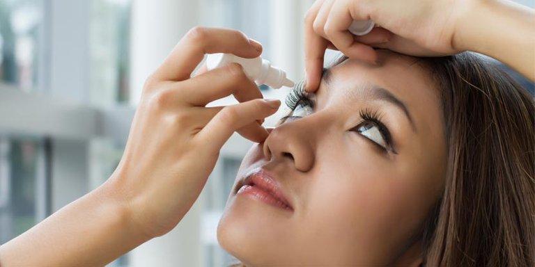 Woman-putting-in-eye-drops---new-spotlight-size.jpg
