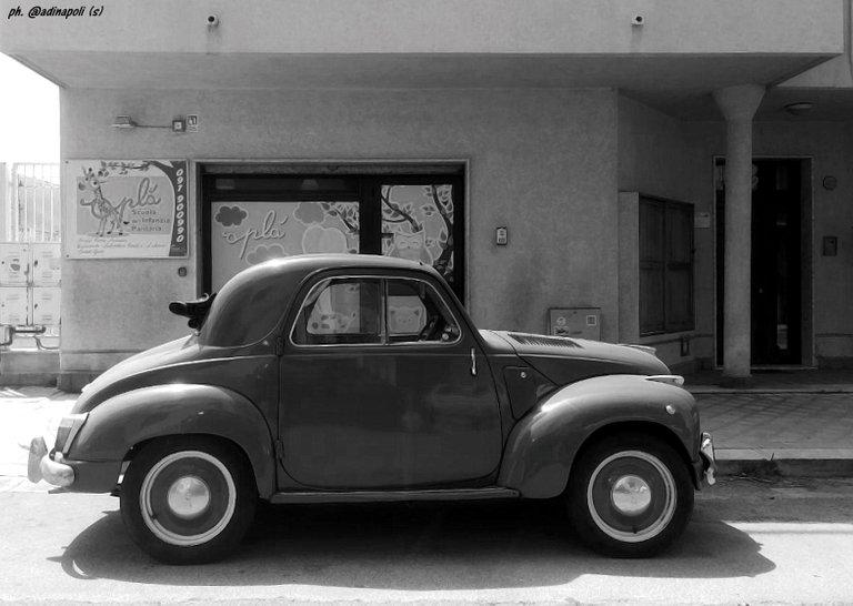 photo_2020 old car.jpg