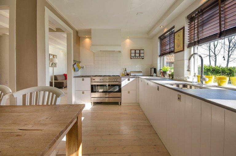 kitchen2165756_1920.jpg