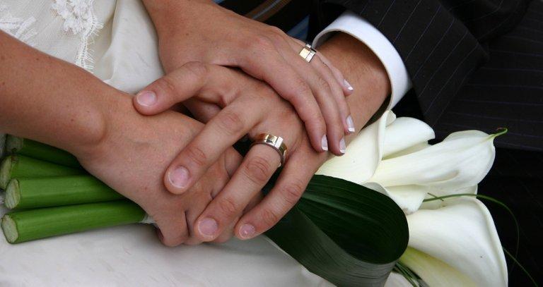 weddingrings21314767.jpg
