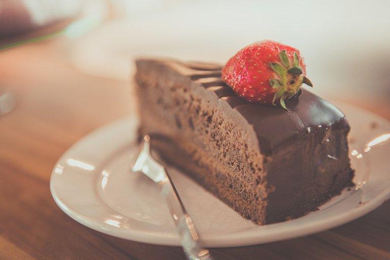 cake1850011_1280.jpg