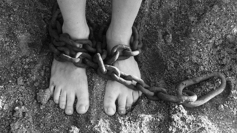 chains19176_1280.jpg