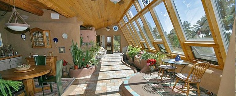 earthship_interior_custom.jpg