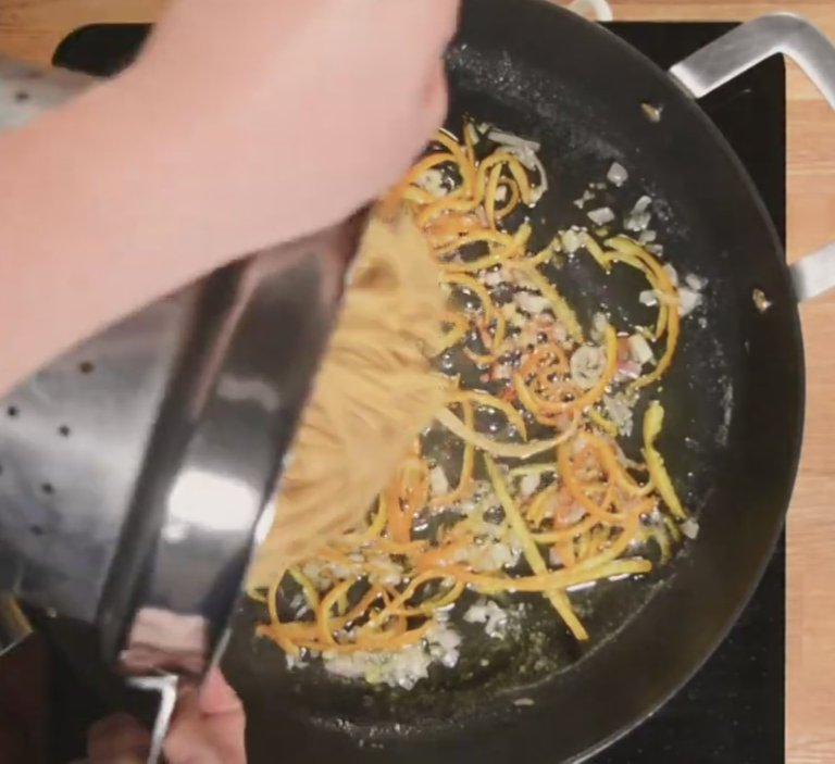 03.Tallarines de naranjacoccion1.jpg