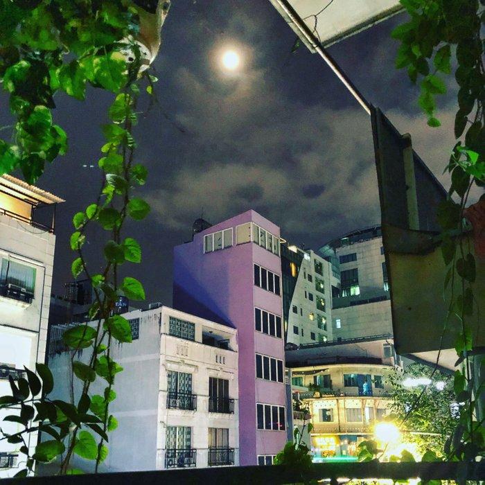 Full Moon Vibes in Saigon