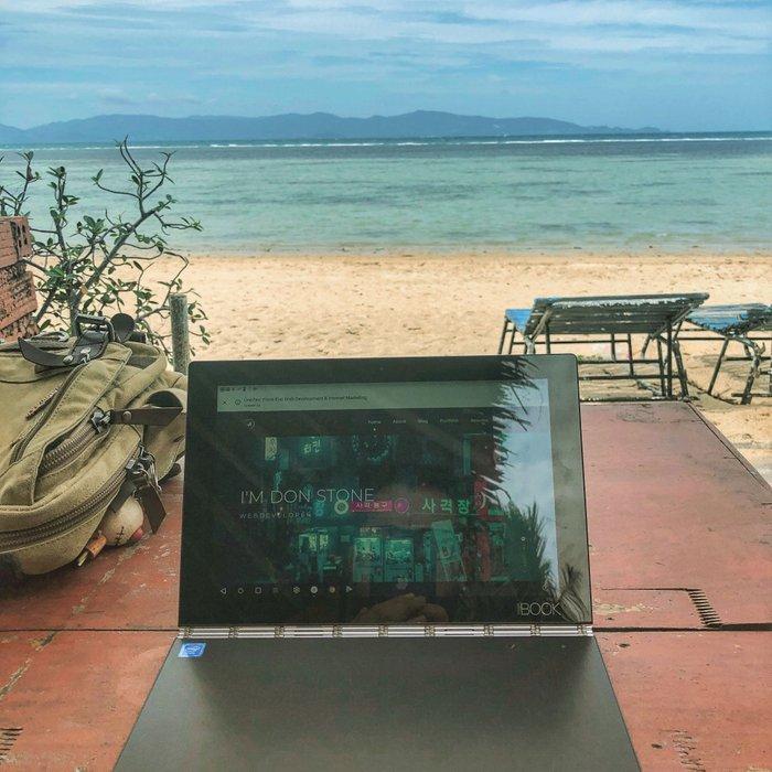 Doing digital nomad stuff in Koh Phangan, Thailand
