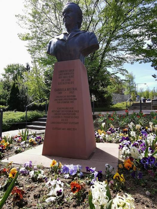 Statue in memory of Gabriela Mistral