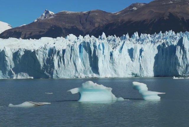 05.-Trekking-in-Perito-Moreno-Glacier-1.jpg