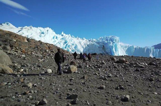 05.-Trekking-in-Perito-Moreno-Glacier-2.jpg