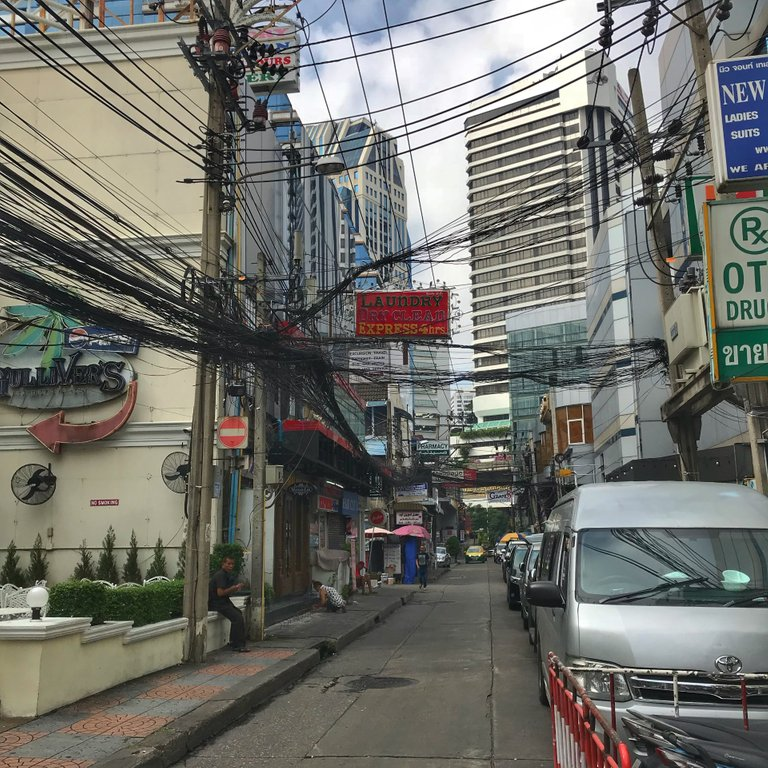 How do they NOT die fixing power lines in Bangkok?