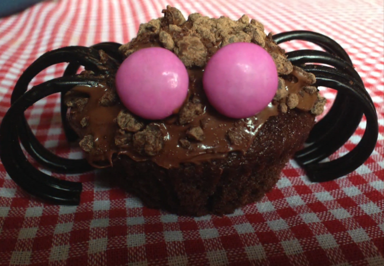 45.-Sweet recipes for the scariest night of Halloween Halloween spiders-2.png