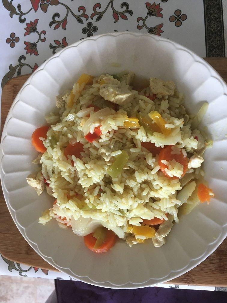 poulet riz curry carottes poivrons vin blanc.JPG
