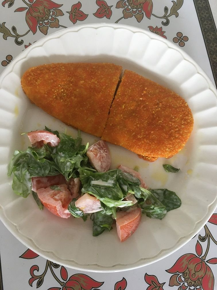 schnitzel salade jardin tomate mayo.JPG
