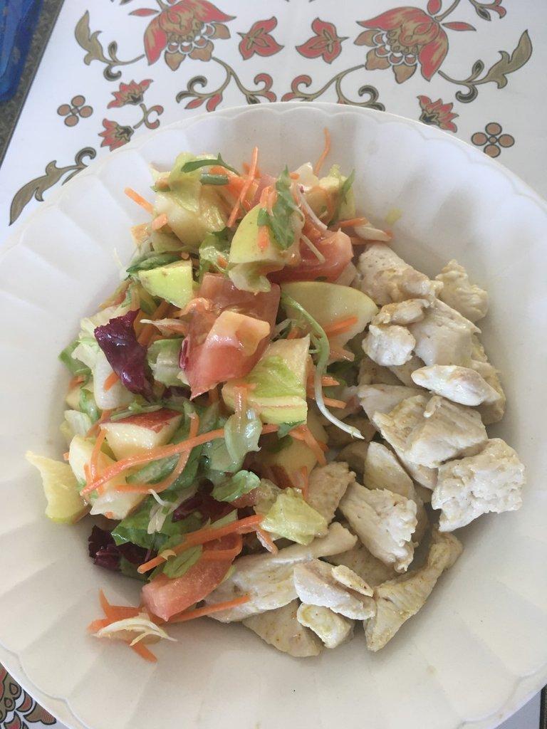 poulet salade mixte vinaigrette tomate jonagold.jpg