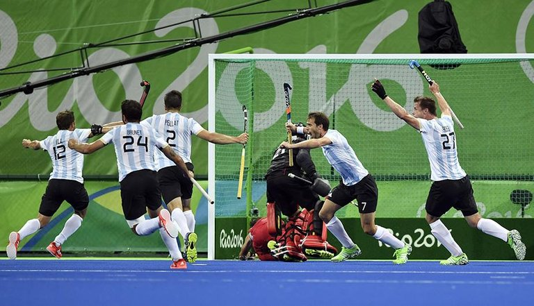 151.-Mi-Momento-olimpico-Hockey-cesped-masculino-oro-rio2016.jpg