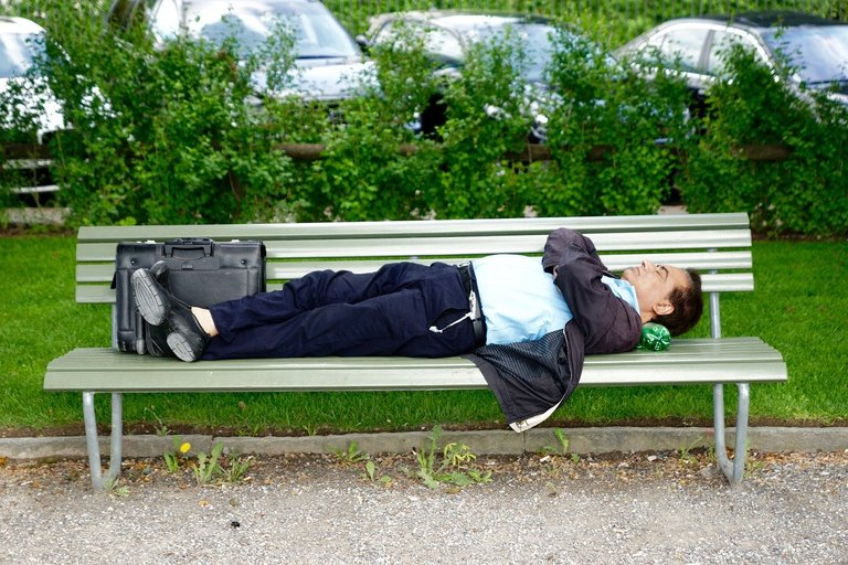 park-bench-771653_1280.jpeg