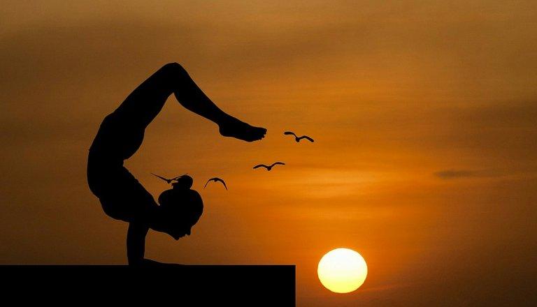 yoga-3605913_960_720.jpg